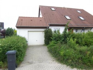 Grundstück mit Doppelhaushälfte in Schönow