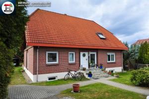 Energiesparhaus in Berlin-Karow mit Einliegerwohnung und Vollkeller zum Kauf