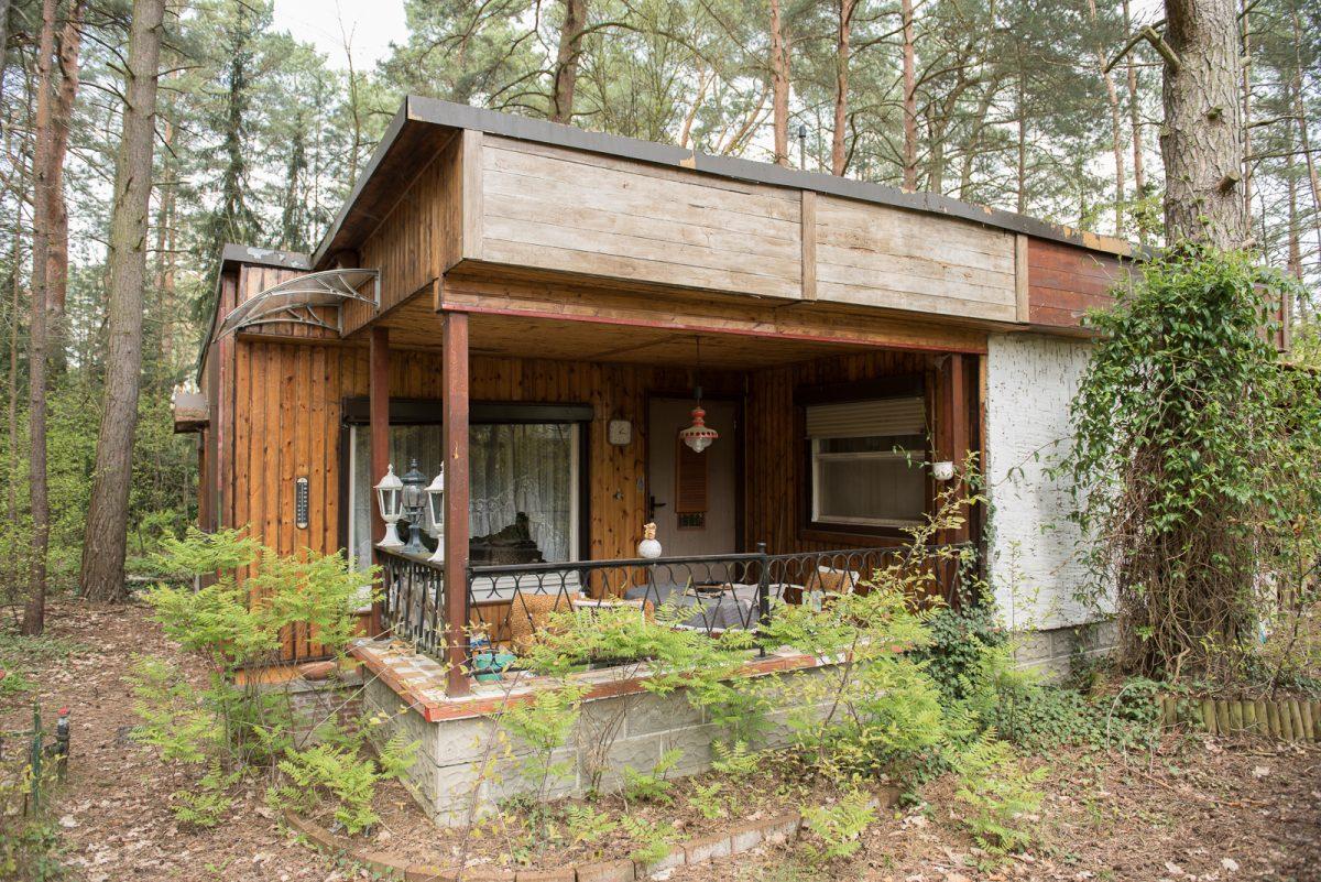 heinze immobilien basdorf wurzelweg 7 bewaldetes baugrundst ck mit abrisshaus im. Black Bedroom Furniture Sets. Home Design Ideas